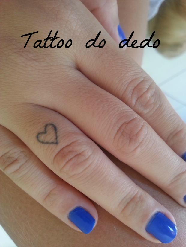 tattoo achilla lima coração dedo